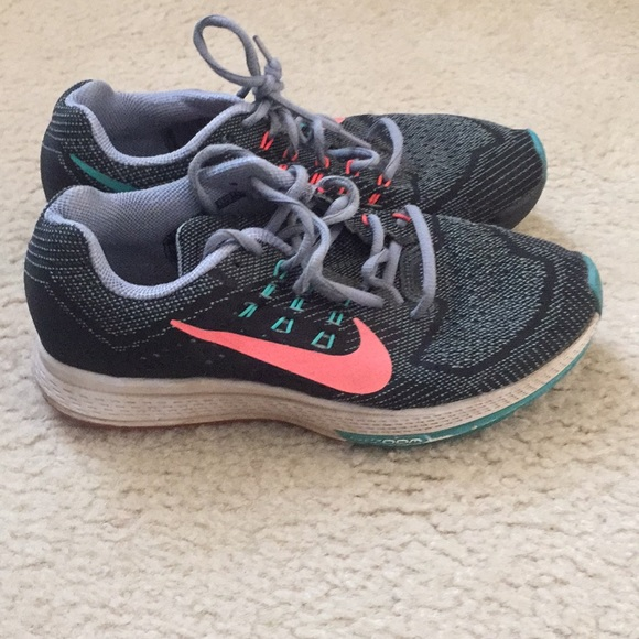 Nike Zoom Structure 18 Women's Shoes Size 7.5